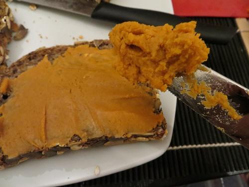 klobasa cajova heirler bio cajovka pastika mazaci na chleb chleb a pecivo svacina vecere snidane