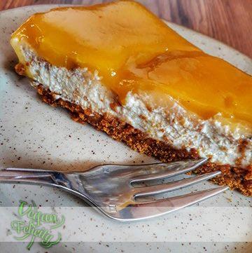 cheesecake dezert tofu tvaroh tvarohem broskvei broskve dort zakusek vegan