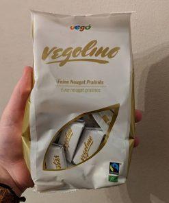 nugatove pralinky Vegolino BIO 180 g Vego nugat vego cokolada bio vegan fair trade fairtrade vego vegan organic bez lepku bezlepkova bezlepkove no palm bez palmoveho oleje eco friendly eko veganobchod obchod veganfelicity felicity